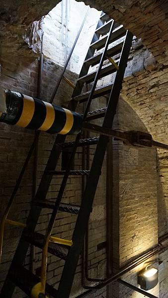 DSC02532.Torre Grossa 登頂途中