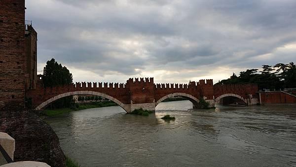 DSC03405.Ponte Scaligero