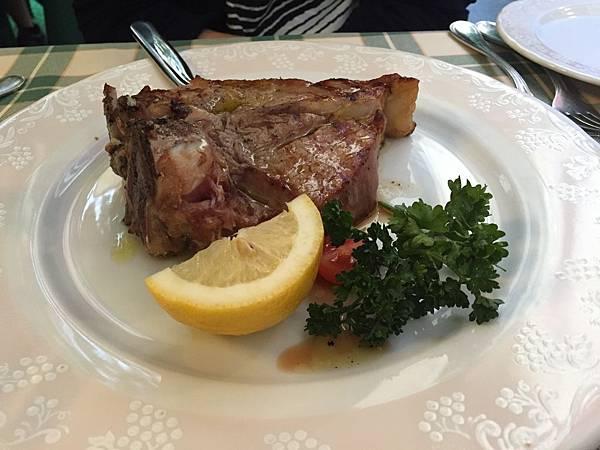 2015-06-17 20.04.45_Dinner_Braciola di vitello ai ferri (Grilled veal chop)