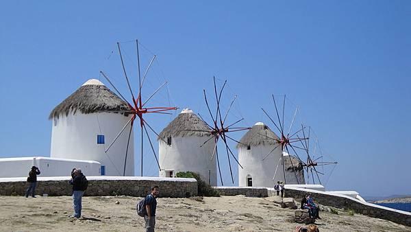 1813.艷陽下的風車