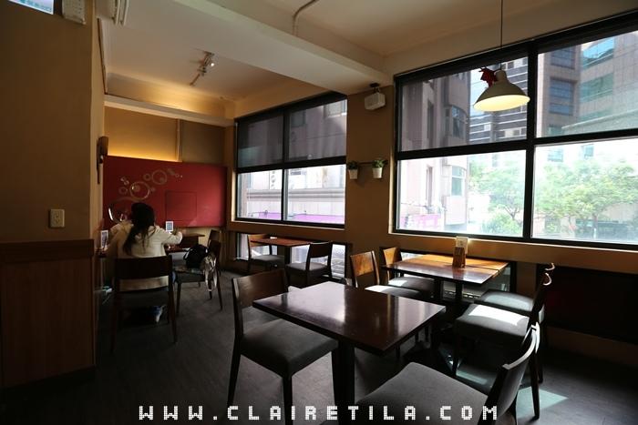 Pond Burger Cafe (13).JPG