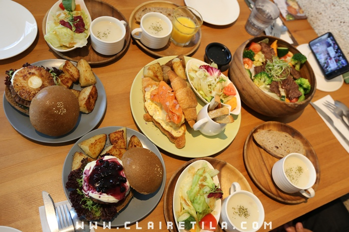Pond Burger Cafe (35).JPG