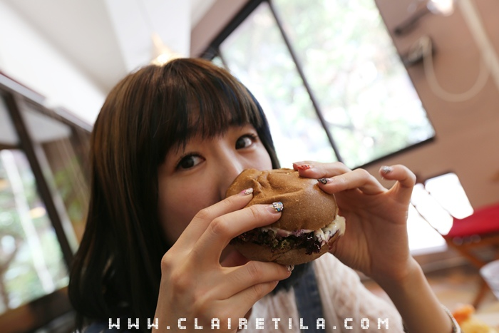 Pond Burger Cafe (45).JPG