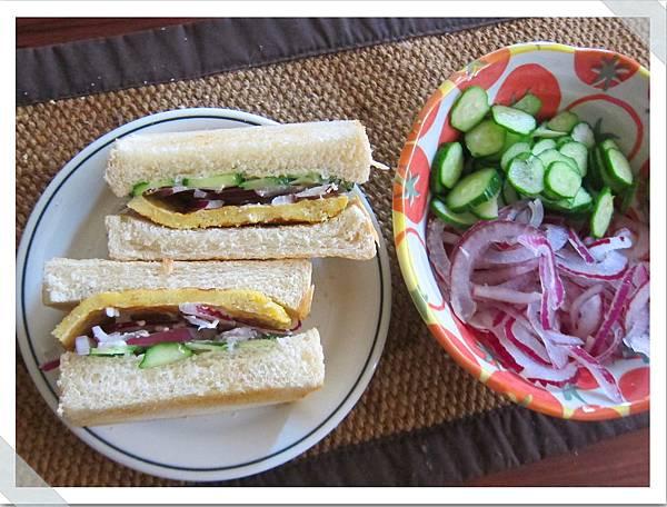 小黃瓜洋蔥蛋沙拉三明治