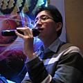 劉澔老師會唱很多歌耶...