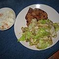 香煎雞腿排 + 沙茶醬炒高麗菜