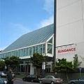 找了好久總算找到書上說的AMC Kabuki 8 theatres (但現在好像已經改名為Sundance Cinemas了)