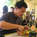 Ray不僅讀書認真.吃早餐也很認真!話說得很少喔~