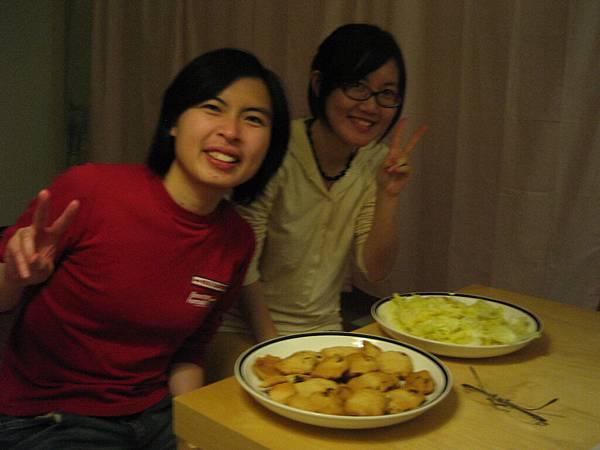 Diana & Annie, 辛苦的hostesses...AGAIN!