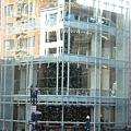 Neiman Marcus裡高達3層樓的Christmas Tree!!!