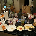 除此之外還有大阪燒, 咖哩飯, 沙拉, mashed potato, 漢堡跟buffalo wings