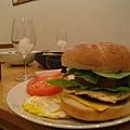 漢堡隨便疊一疊又變成超厚超高@_@