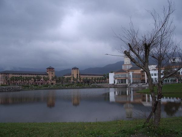 東華大學~東湖.JPG