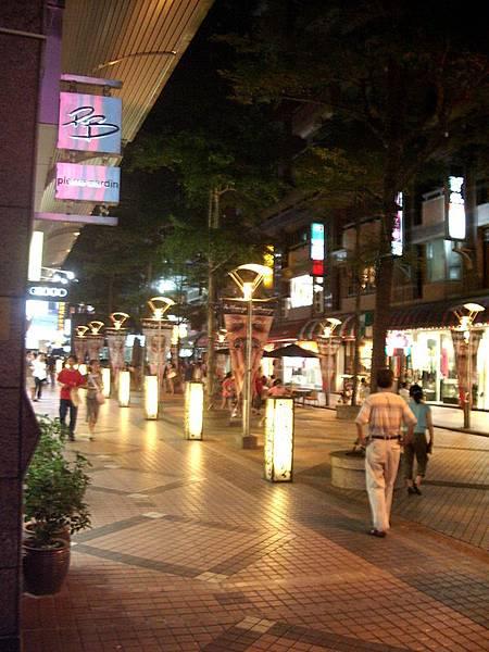 越夜越美的街道