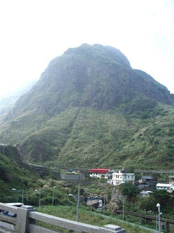 某座不知名的山...