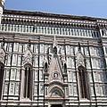 佛羅倫斯-聖母百花教堂-洗淨的外牆.JPG