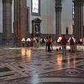 佛羅倫斯-聖母百花教堂-莊嚴的室內.JPG