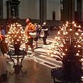 聖母百花教堂-祈禱蠋台-給人安定.JPG