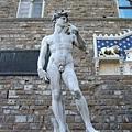 領主廣場-假的大衛雕像XD.JPG