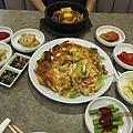 接風的第一餐!韓國餐...花了4.50大洋