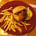 我點的漢堡,分不清是豬肉還是牛肉...
