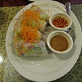 泰式料理-春捲,裡面包的是生菜...soso