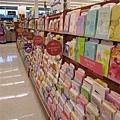 Wallgreen超市內的卡片櫃檯,超壯觀!