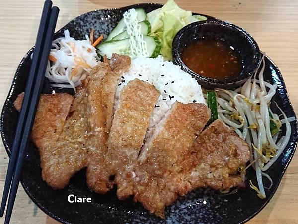 貞娘娘越式料理_家鄉料理。香茅排骨飯.jpg