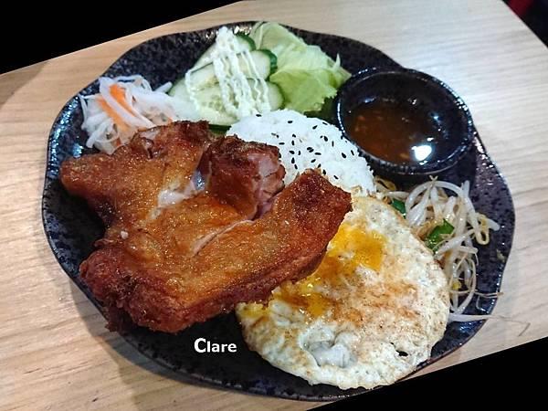 貞娘娘越式料理_家鄉料理。香茅雞腿飯.jpg