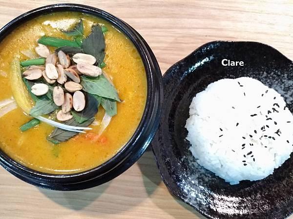 貞娘娘越式料理_越式黃咖哩。豬肉。香米飯.jpg