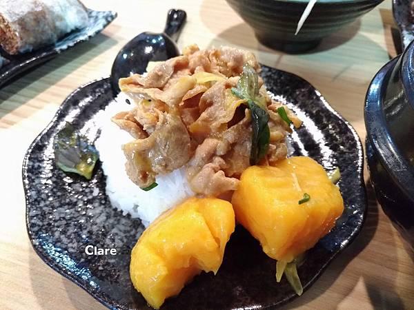 貞娘娘越式料理_越式黃咖哩。豬肉。香米飯2.jpg