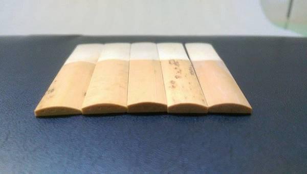 the Vandoren clarinet reeds from Left: Traditinoal,V12,56,V21 and Rico resrve