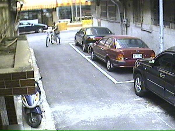 偷車 (1).jpg