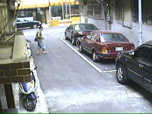 偷車 (3).jpg