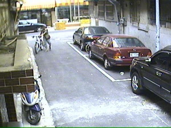 偷車 (5).jpg