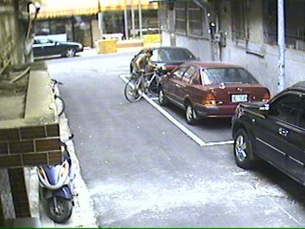 偷車 (8).jpg
