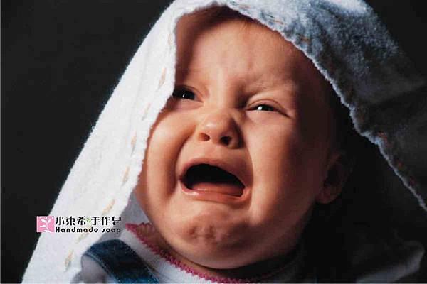 寶寶哭a.jpg