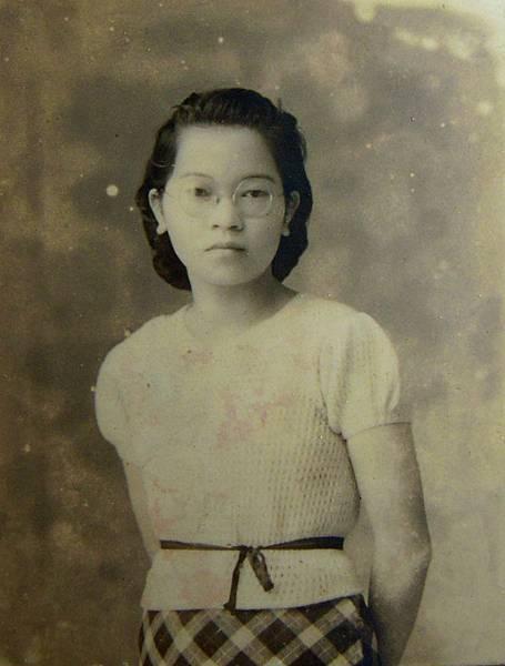 母照年輕照片