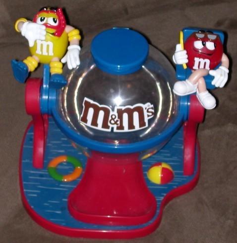 M&M 糖果機$3