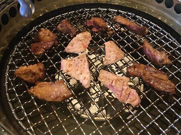 屋馬燒肉文心店_01.JPG