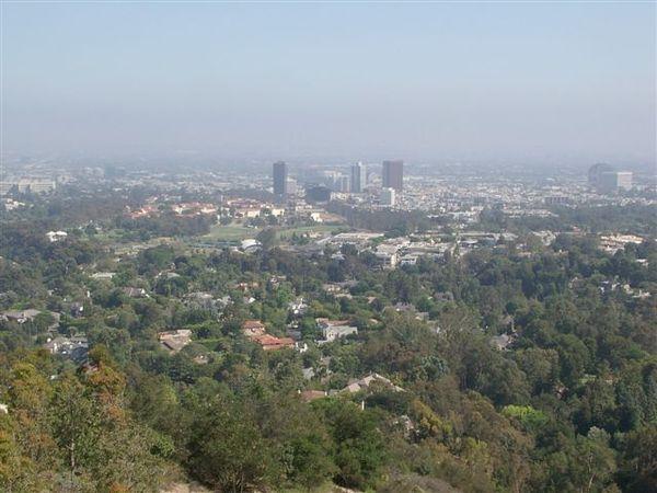 蓋帝中心遠眺洛杉磯市區