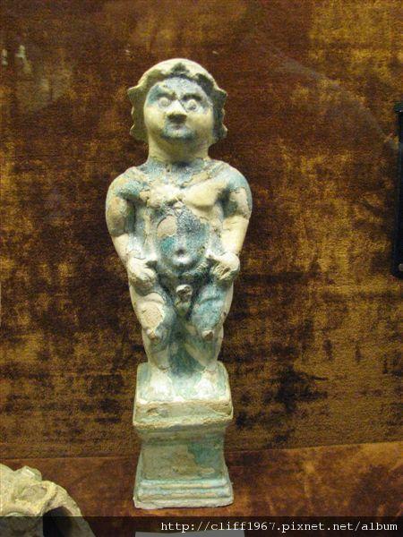 尿尿小童雕像
