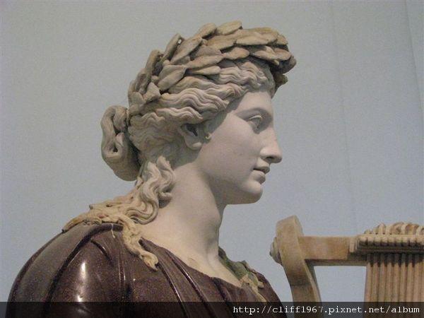 阿波羅雕像