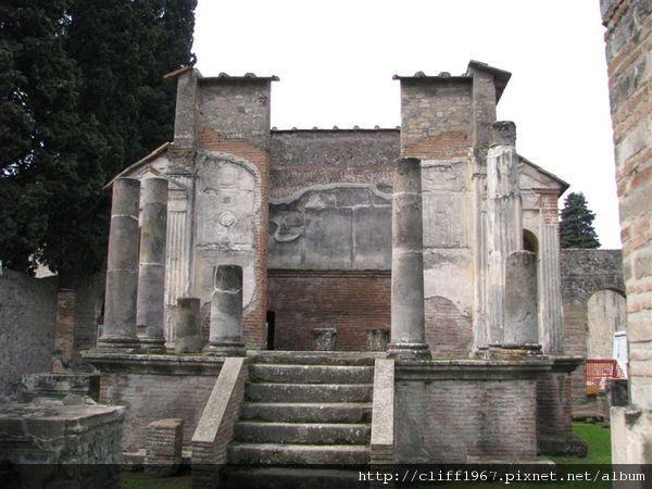 伊西斯神殿