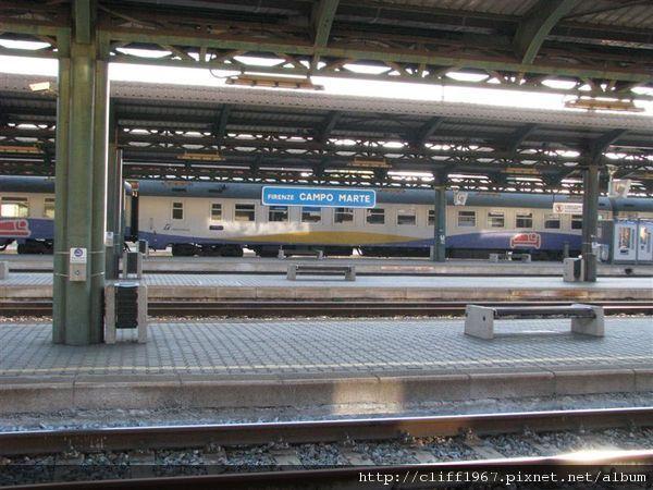 翡冷翠的3個火車站之一