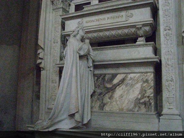 音樂大師羅西尼之墓