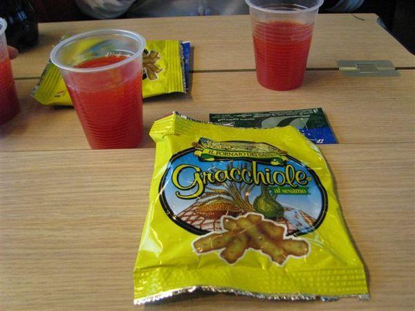 歐洲之星列車免費提供的飲料與小點心