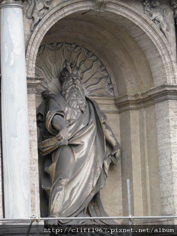 摩西噴泉的摩西像