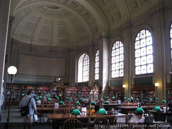 波士頓圖書館閱覽室