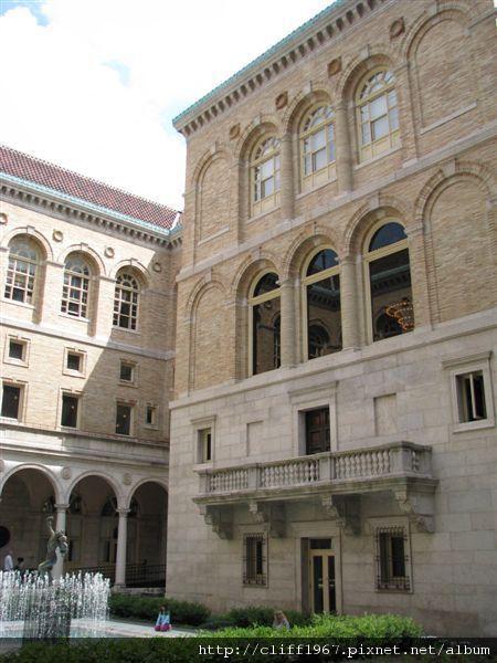 波士頓圖書館中庭(文藝復興風格)